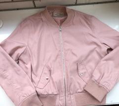 Puder roze bomber jaknica Bershka