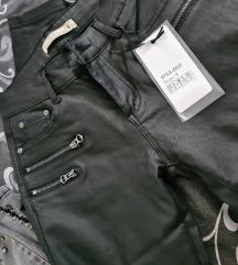 Pantalone eko koza Novo sa etiketom