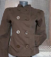 Braon kaputic/jaknica sa puf rukavima