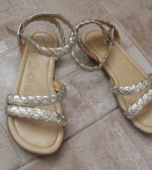 Dva para sandalica za devojčice