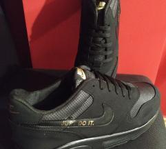 Patike NOVE crne Nike,42