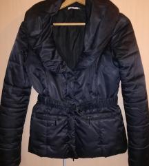 SNIŽENJE Crna jaknica PIMKIE 700 din