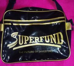 Superfund lakovana crna sa zlatnim torba