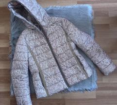 Krem jakna sa prelepim dezenom