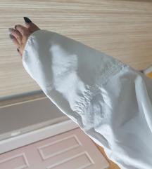 Bela jesenja jaknica