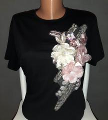 Pepper & mint majica sa cvetnim dodatkom