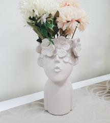 Unikatna vaza za cveće devojka