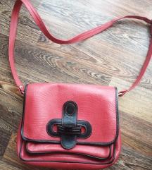 Crvena torba, srednje veličine