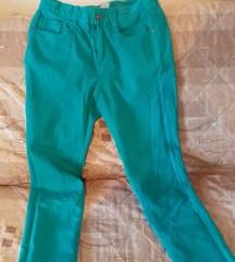 zelene pantalone 158 velicina