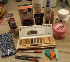 POSLEDNJA SANSA Paket kozmetike i sminke NOVO