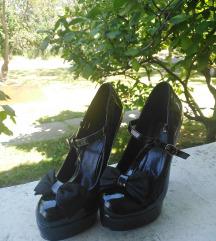 Lakovane cipele na stiklu sa masnicom 🎀