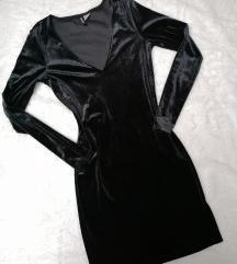 HM Crna plisana haljina