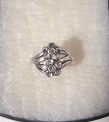 Srebrni prsten sa cirkonima, 925