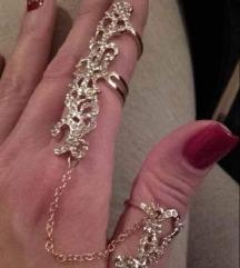 Prelep prsten iz tri dela