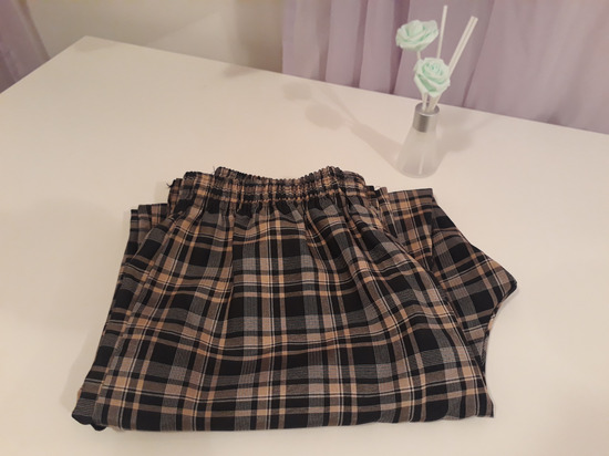 Karirane pantalone