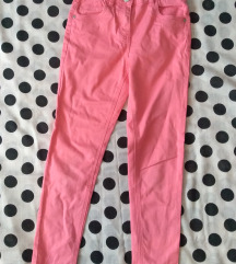 Roze pantalone za devojčicu