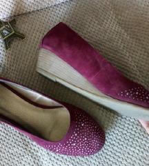 Bordo cipele sa cirkonima.