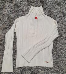 Kvalitetan beli džemper s. Oliver