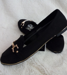 Nove Crno-Zlatne Cipelice