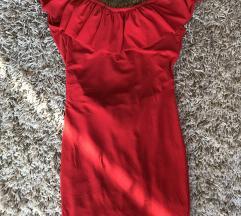 Šivena crvena haljina