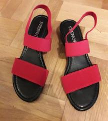 Stefany Wien crvene sandale NOVE