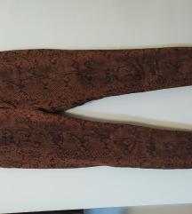 Zmijske pantalone skroz uske kao nove