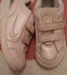 Nike kozne, roze sa belim. Br. 26.5, ug. 16 cm 800