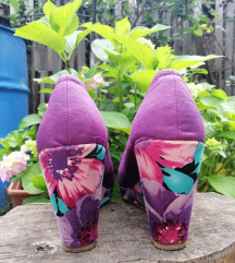 Buffallo cvetne sandale