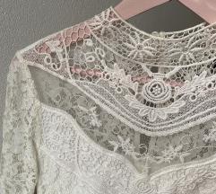 bela haljinica