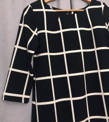 Crno bela haljina na pruge