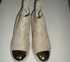BEŽ DUBOKE  cipele br. 39