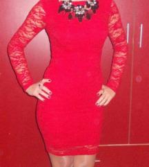 crvena haljina kikiriki