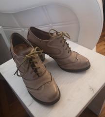 Cipela na štiklu