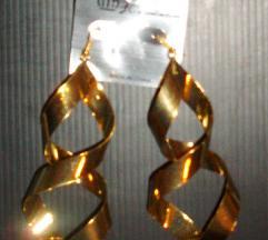 Nove zlatne visece mindjuse i narukvica