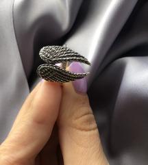 Prsten sa krilima 17mm