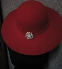 crveni sesir bros