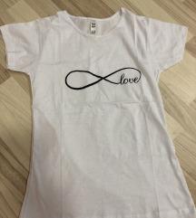 Nova majica, samo skinuta etiketa