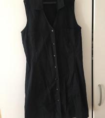 Crna haljina na zakopčavanje
