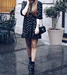Crna haljina sa zlatnim tufnama NOVO