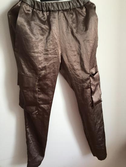 P....S pantalone sa dzepovima