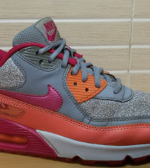 Nike 90