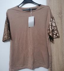 Zara nova majica 38