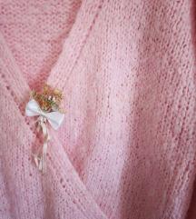 Rucno pleteni romanticni pulover na preklop