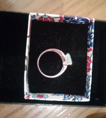 Srebrni prsten sa akvamarinom