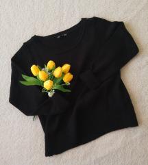 H&M crni džemperčić SADA 490