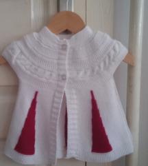 Beli novi krdigan za bebe :)