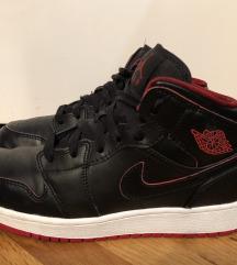 Original Nike Jordan 1 Mid patike