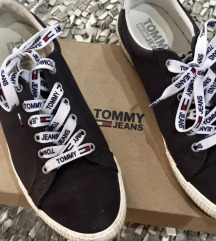 Original tommy hilfiger patike %%