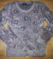 Džemper sa srcima