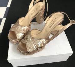 Sljokica sandale